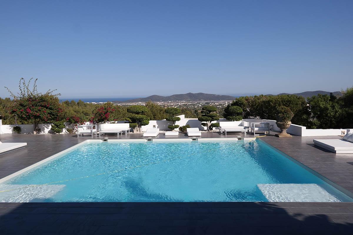 Villa Nata. 6 bedrooms villa in Ibiza for rent