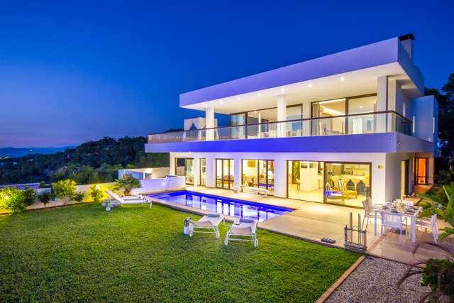 Villa Dean. 5 bedrooms villa in Ibiza for rent