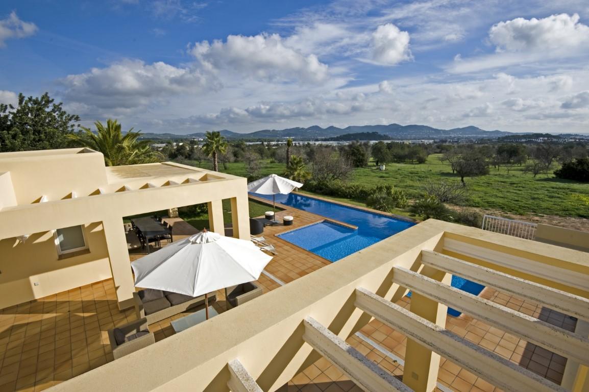 Villa Michel. Villa de 5 habitaciones en Ibiza en alquiler