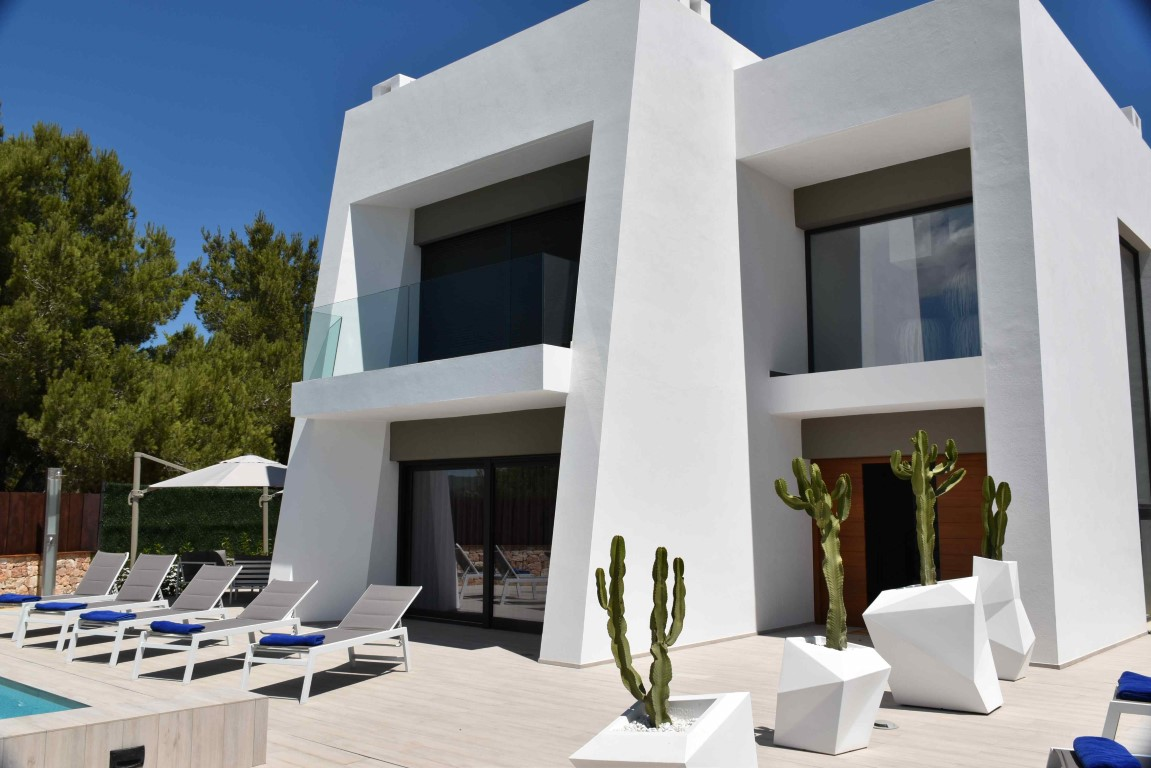 Villa Emily. 4 bedrooms villa in Ibiza for rent