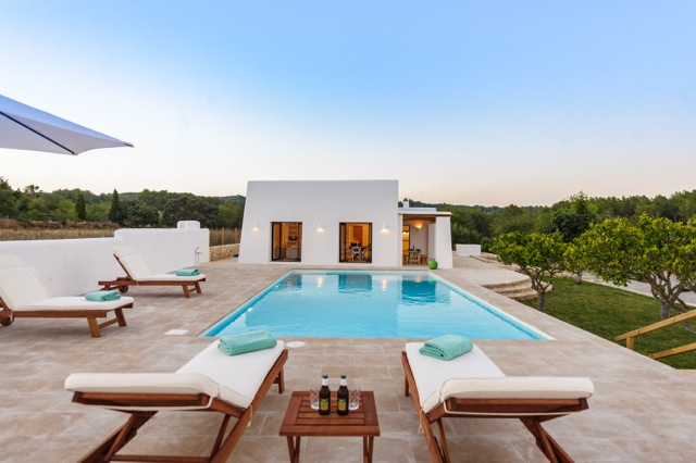 Villa Santa. 3 bedrooms villa in Ibiza for rent